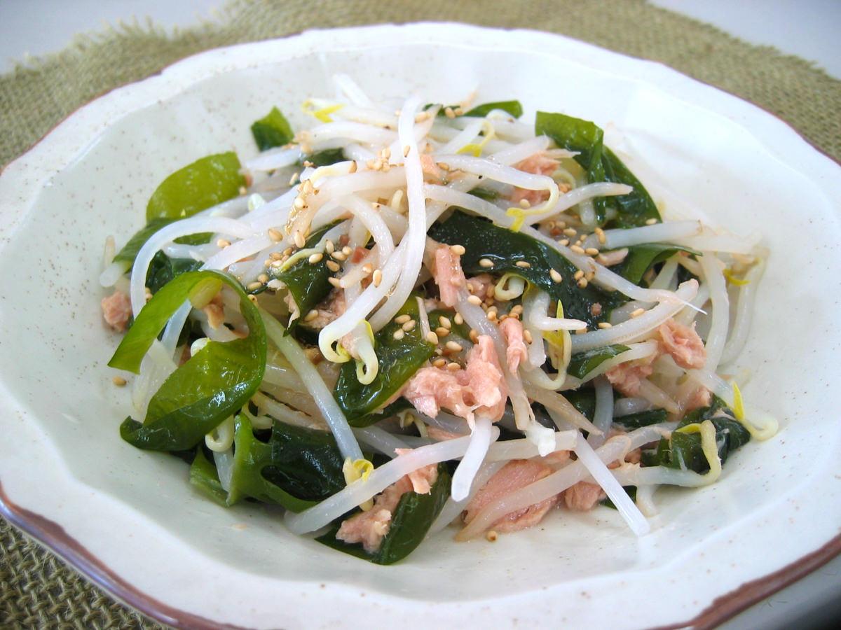 緑豆もやしとわかめのシーチキンサラダ