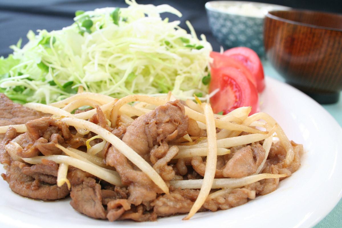 緑豆もやしと豚肉の生姜焼き