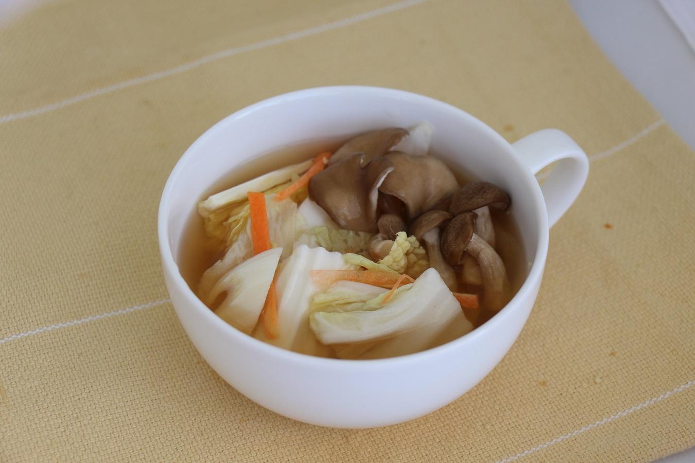 カット野菜で野菜たっぷりスープ