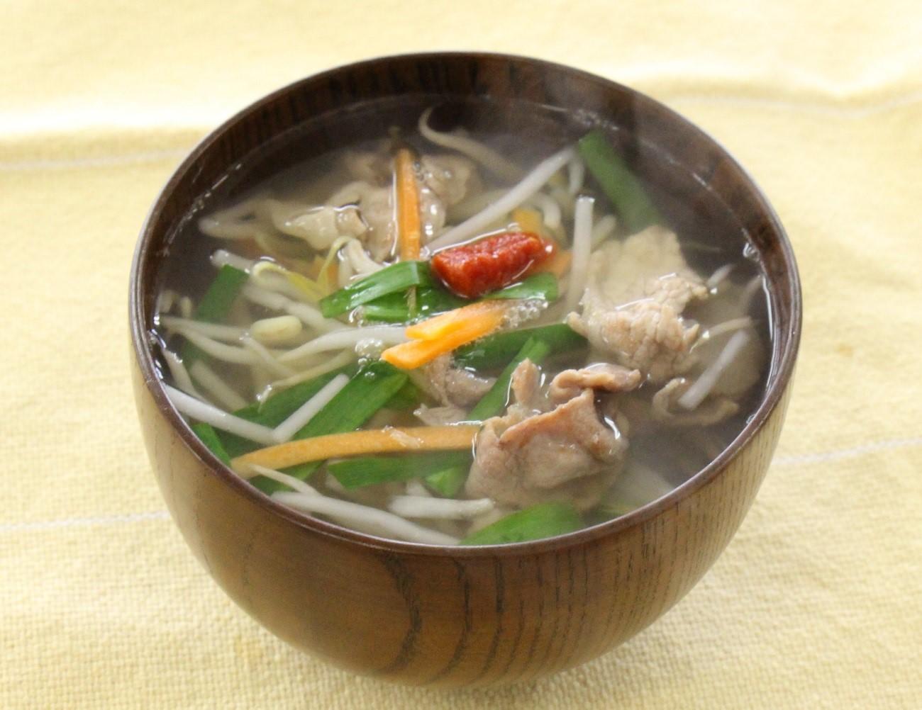 カット野菜で豚肉の和風スープ